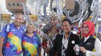Parade kostum bertema ASIALIGHT dari Jember Fashion Carnaval warnai Terminal 3 Soekarno-Hatta