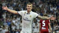 Gelandang asal Jerman, Toni Kroos memperbaharui kontrak bersama Real Madrid hingga 2022 dengan bayaran per pekan sebesar 200.000 pound sterling. (AFP/Gerard Julien)