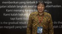 Legenda sepak bola Indonesia, Robby Darwis, saat menghadiri Anugerah Leganda Olahraga di Hotel Bidakara, Jakarta, Rabu (13/12/2017). Sebanyak 286 atlet masing-masing mendapatkan 40 juta rupiah. (Bola.com/Vitalis Yogi Trisna)