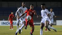 Myanmar meraih kemenangan tipis 3-2 atas Timor Leste pada laga pertama Grup A Piala AFF U-16 2018 di Stadion Gelora Joko Samudro, Gresik, Minggu (29/7/2018) malam WIB. (Bola.com/Zaidan Nazarul)