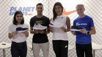 Produsen alat olahraga, Nike, meluncurkan sepatu baru berteknologi Epic React Flyknit, di Planet Sport, Grand Indonesia, Jakarta, Kamis (22/2/2018). (Bola.com/Reza Bachtiar)