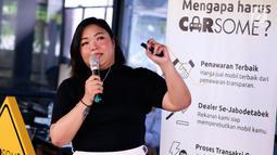 Marketing Manager Carsome Indonesia Maria Francisca memberikan pemaparan saat peluncuran kampanye Carsome #YakinGakMauIkutanMobilGoyang, di Jakarta, Selasa (30/4). Carsome merupakan platform daring jual mobil bekas dengan pelayanan Full Service Branch. (Liputan6.com/HO/Wahyu)