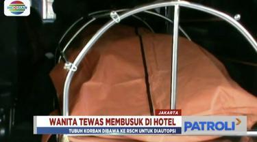 Wanita paruh baya ditemukan tewas nyaris tanpa sandang di sebuah hotel di Senen, Jakarta Pusat.