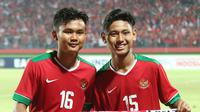 Bek Timnas Indonesia U-16, Komang Teguh Triasnanda (kiri). (Bola.com/Aditya Wany)