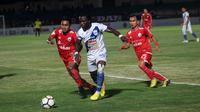 Duel Persija vs PSIS di Stadion Sultan Agung, Bantul, Selasa (18/9/2018). (Bola.com/Ronald Seger Prabowo)