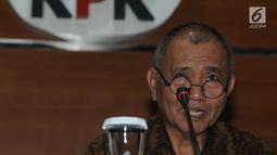 Ketua KPK Agus Rahardjo memberikan keterangan di Jakarta, Selasa (4/9). Konpers terkait kedatangan Menteri Dalam Negeri, Tjahjo Kumolo ke Gedung KPK untuk berkonsultasi banyaknya anggota DPRD yang terjerat kasus korupsi. (Merdeka.com/Dwi Narwoko)