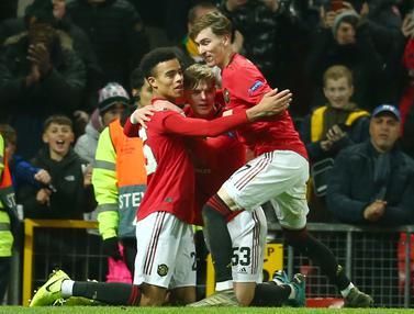 Manchester United Cukur AZ Alkmaar 4-0 di Old Trafford