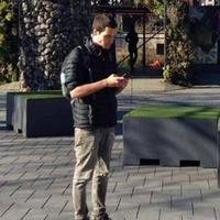 Seorang pria asal New Zealand keluar dari pekerjaannya karena ingin berburu Pokemon. Inikah yang disebut demam Pokemon Go? (Via: odditycentral.com)