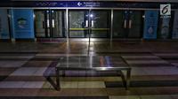 Suasana Stasiun MTR Bendungan Hilir saat terjadi pamadaman listrik di wilayah Jabodetabek, Jakarta, Minggu (4/8/2019). Pemadaman listrik mengakibatkan layanan MRT berhenti dan lumpuh total. (Liputan6.com/JohanTallo)