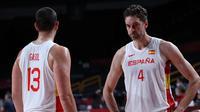 Marc (kiri) dan Paul Gasol membela timnas basket Spanyol di Olimpiade Tokyo 2020. (AFP/Thomas Coex)