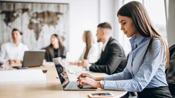 Survei: Karyawan Lebih Nyaman Pakai Pakaian Kasual Dibanding Formal Saat Bekerja