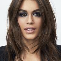 Kaia Gerber untuk YSL Beaute. Sumber foto: PR.