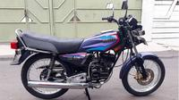Tim Bedah King merekondisi Yamaha RX King lansiran 1997 milik driver Gojek bernama Hermanto. (Facebook Firman Fadillah)