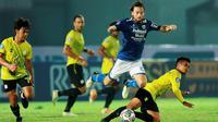 Persib Bandung Vs Barito Putera pada pekan pertama BRI Liga 1 2021/2022 di Indomilk Arena, Tangerang, Sabtu (4/9/2021). (Bola.com/Muhammad Iqbal Ichsan)