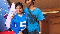 Atlet Goalball Indonesia di Asian Para Games 2018, Nita Sulastri (kiri) dan suaminya, Wahid Dudin Nurul Mukminin. (Inapgoc)