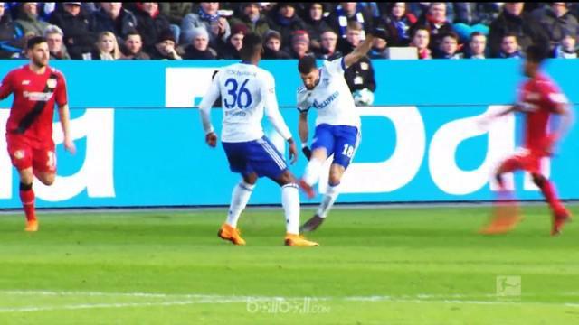 Berita video aksi duo pemain Schalke menjadi yang terbaik pekan ini di Bundesliga 2017-2018. This video presented by BallBall.