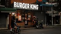 Ilustrasi gerai Burger King. (dok. unsplash @sizzzikova)