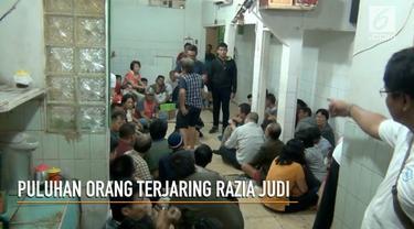 Jatanras polda metrojaya bersama Polres Jakarta Pusat menggerebek judi remi dan gaplek dirumah kosong, di wilayah Sawah Besar Jakarta Pusat malam ini.