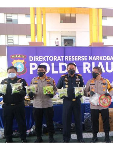 Kolaborasi Bea Cukai Riau dan Polda Riau Kembali Gagalkan Penyelundupan 49 Kilogram Sabu