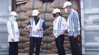 Peluncuran ekspor hasil pertanian dari Jawa Timur ke 27 negara oleh Menteri Pertanian Syahrul Yasin Limpo, Menteri Perdagangan Muhammad Lutfi, Menteri BUMN Erick Thohir dan Gubernur Jawa Timur Khofifah Indar Parawansa. (Foto: Instagram @erickthohir)