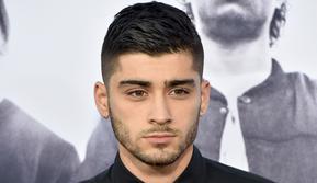 Zayn Malik mengaku bahwa banyak orang yang salah sangka dan menganggap dia seorang bad boy. Padahal Zayn Malik miliki pribadi yang pemalu dan canggung. (KEVIN WINTER / GETTY IMAGES NORTH AMERICA / AFP)