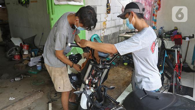 Foto Melihat Proses Reparasi Dan Perakitan Kendaraan Listrik Di Bekasi Otomotif Liputan6 Com