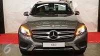 Mobil Mercedes-Benz GLC saat peluncurannya di Pabrik Wanaherang, Bogor, Jawa Barat,  (24/5). Mercedes-Benz mengumumkan dimulainya produksi lokal kendaraan premium model SUV bergaya sporty dan modern Mercedes-Benz GLC. (Liputan6.com/Immanuel Antonius)