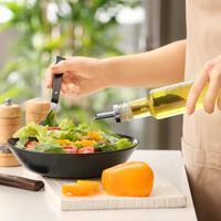 ilustrasi salad sayur minyak zaitun/copyright by Pixel-Shot (Shutterstock)