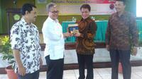 Ketua Badan Sosialisasi 4 Pilar MPR Ahmad Basarah dalam acara Seminar Bung Karno, Islam dan. Pancasila di Sekolah Tinggi Ilmu Ekonomi Ahmad Dahlan Ciputat, Jakarta. (MPR)