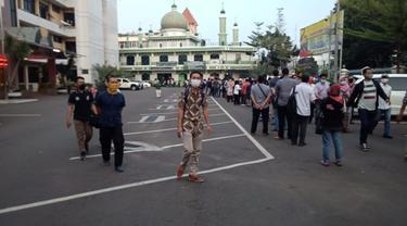 Antrean panjang warga yang akan memperpanjang SIM di Kantor Polres Jakarta Selatan. (Dok: TMC Polda Metro Jaya)