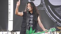 Otong Koil dan bandnya tampil di Jogjarockarta 2018 (Rajawali Indonesia Communication)