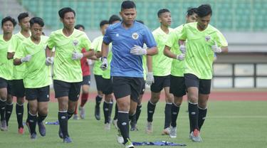 Timnas Indonesia U-16 memulai pemusatan latihan di Stadion Patriot Candrabhaga, Bekasi, Senin (6/7/2020).