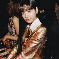Lisa Blackpink di Milan Fashion Week 2020/@lalalalisa_m