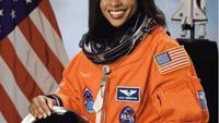 Astronaut Wanita Joan Higginbottom Ungkap Cara Perawatan Kulit Saat di Luar Angkasa. (dok.Instagram @number19king/https://www.instagram.com/p/CLpHKkGJYCa/Henry)