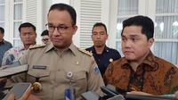 Menteri BUMN Erick Thohir bertemu dengan Gubernur DKI Jakarta Anies Baswedan di Balai Kota DKI. (Ika Defianti/Liputan6.com)