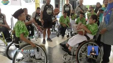 Timnas basket kursi roda gelar sosialisasi untuk mencari bibit baru di Yayasan Pembinaan Anak Cacat (YPAC) Solo, Jawa Tengah.