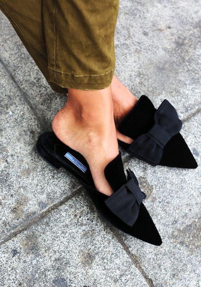 Mules shoes yang bikin penampilan jadi kece banget. (sumber foto: Bloglovin'/Pinterest)