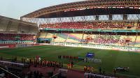 Tribune kosong di Stadion Wibawa Mukti, Cikarang, saat Timnas Indonesia U-23 vs UEA, Jumat (25/8/2018). (Bola.com/Benediktus Gerendo Pradigdo)
