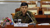 Surya Tjandra saat mengikuti Uji Kelayakan dan Kepatutan Capim KPK, Jakarta, Selasa (15/12/2015). (Liputan6.com/Johan Tallo)