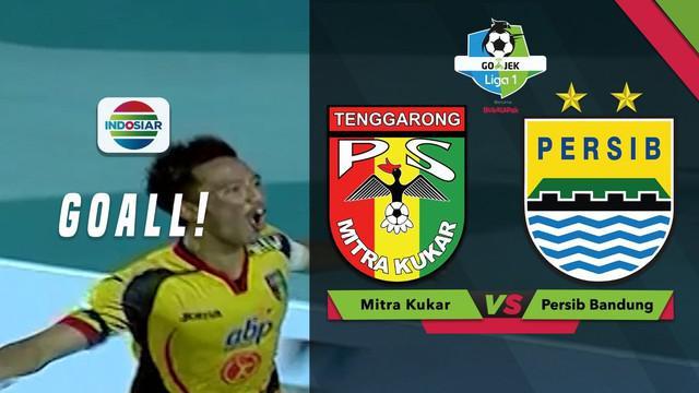 Berita video momen gol gelandang Mitra Kukar, Bayu Pradana, ke gawang Persib Bandung dalam lanjutan Gojek Liga 1 2018 bersama Bukalapak, Jumat (10/8/2018).