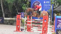 Steven Manayang Sempurna di Seri II Kejuaraan Dunia Berkuda Lompat Rintangan