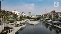 Suasana kawasan wisata Kota Tua, Jakarta, Minggu (28/6/2020). Untuk sementara selama PSBB Transisi, pihak pengelola Kota Tua hanya membuka layanan museum. (merdeka.com/Iqbal S. Nugroho)