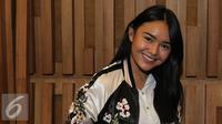 """Artis Amanda Manopo berpose usai jumpa pres HUT SCTV ke-26 di SCTV Tower, Jakarta, (11/8). Menandai hari jadi SCTV ke-26, SCTV akan menggelar """"Malam Puncak Perayaan HUT SCTV 26 Satu Untuk Semua"""" pada rabu (24/8/2016). (Liputan6.com/Herman Zakharia)"""