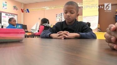 Kini di banyak negara bagian di Amerika, hukuman fisik telah dilarang di sekolah-sekolah
