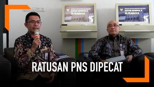 Badan Kepegawaian Negara rilis data pemecatan ratusan PNS karena terlibat kasus tindak pidana korupsi.