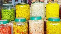 Ilustrasi toko penjual manisan Cianjur yang melegenda. (dok. Instagram @derenorasa/https://www.instagram.com/p/BqoiOI6B-2-/Dinny Mutiah)