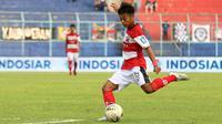 Kevy Sahertian, penyerang sayap Madura United. (Bola.com/Aditya Wany)