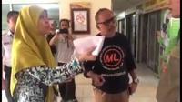 Sebuah video tentang dugan pencopotan paksa Bendera Merah Putih di sebuah apartemen di Jakarta Selatan, viral. (Screenshot video)