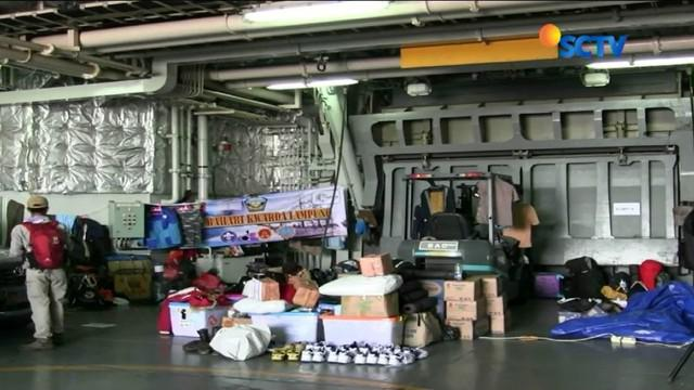 YPAPK membawa seribu paket sekolah untuk disalurkan ke Batam, Belawan, Sabang, Padang, Bengkulu, Miangas, Marore, dan Marampit.
