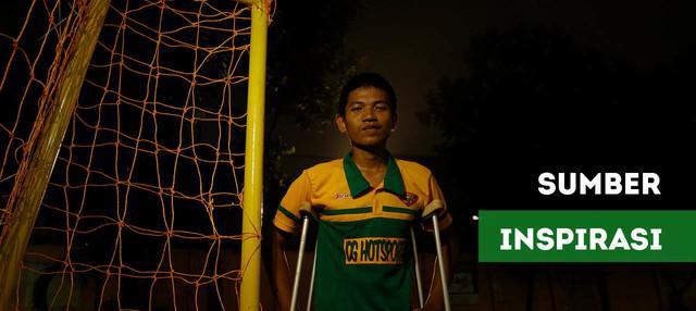 Berita video kisah Chandra W.Aji seorang pelatih Sekolah Sepak Bola Putera Garuda Muda yang diamputasi kakinya karena komplikasi penyakit yang dideritanya.